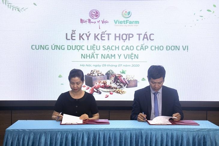 Lễ ký kết hợp tác cung ứng dược liệu sạch cho bài thuốc Uy Long Đại Bổ
