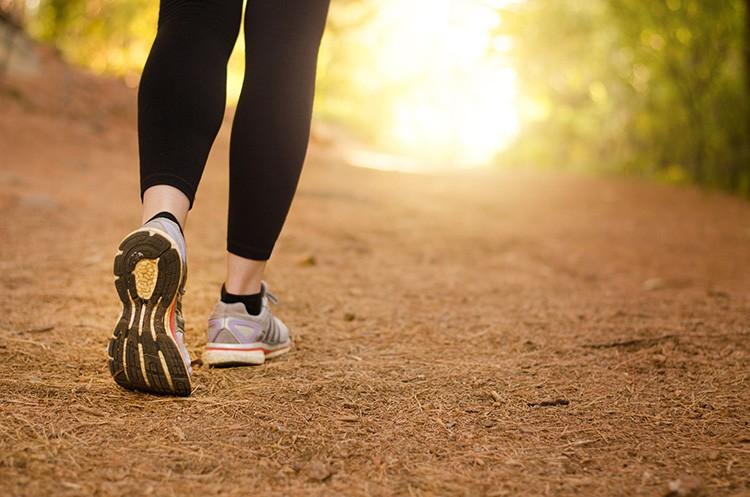 Đi bộ đều đặn hàng ngày sức khỏe tổng thể được nâng cao, tinh thần phấn chấn hơn.