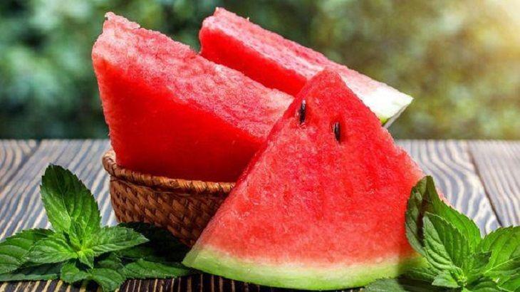 Đau dạ dày ăn dưa hấu được không- Những lưu ý cần biết
