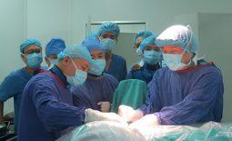 Bệnh viện Việt Đức triển khai phẫu thuật thoát vị đĩa đệm bằng phương pháp mổ hở và nội soi