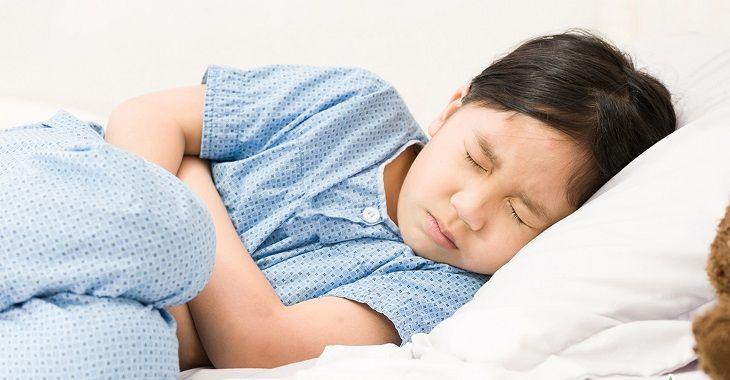 Trẻ cần được truyền dịch và máu để phục hồi thể trạng sau khi điều trị bệnh