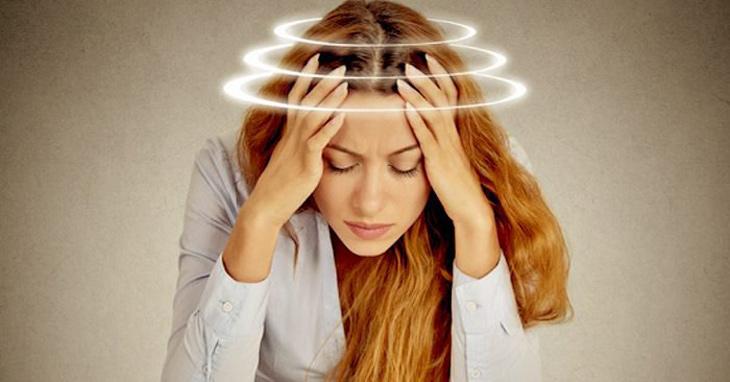 Rối loạn tiền đình ốc tai gây ù tai, trong tai có tiếng ve kêu râm ran