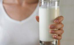 Sữa có tác dụng trung hòa axit dạ dày rất hiệu quả