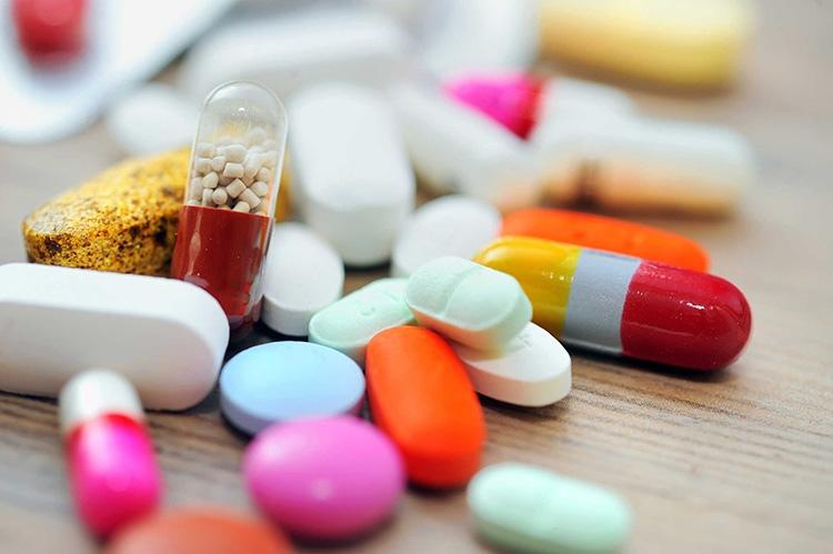 Thuốc Tây giúp giảm nhanh đau nhức, kiểm soát được các triệu chứng bệnh