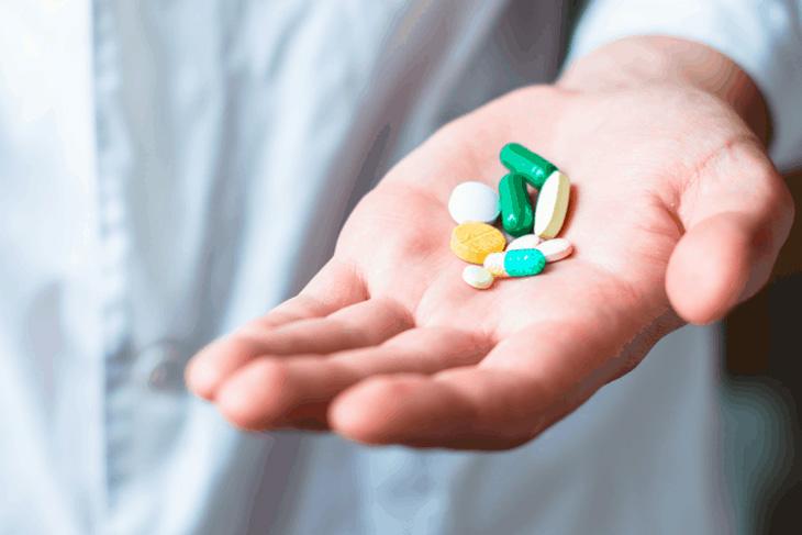 Thuốc Tây không chữa bệnh tận gốc và có thể gây ra nhiều tác dụng phụ