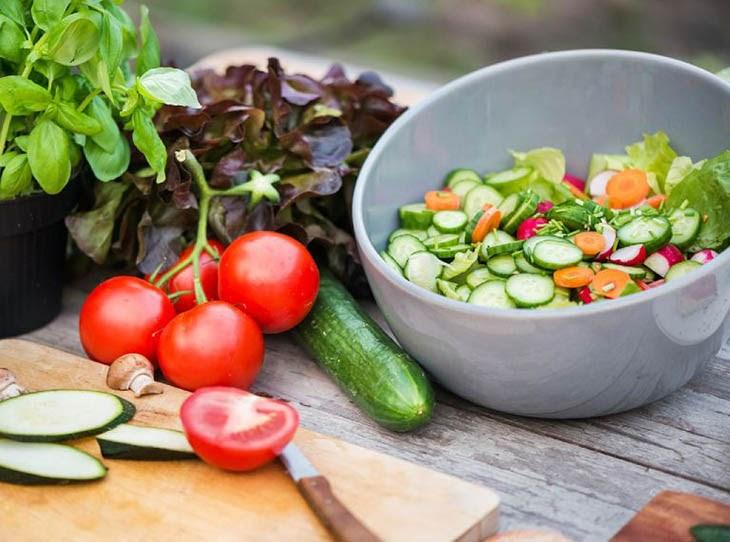Chế độ ăn uống nhiều rau củ quả màu xanh đậm sẽ rất tốt cho sức khỏe