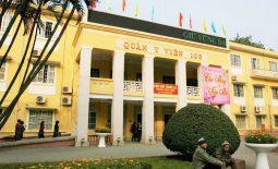 Bệnh viện 103 hay còn gọi là Viện quân y 103 trực thuộc Học viện Quân Y, Bộ Quốc phòng Việt Nam.