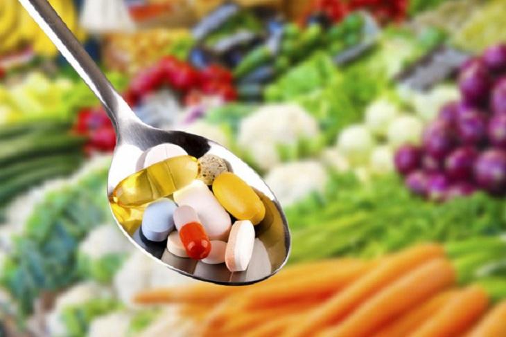 Trị vảy phấn hồng bằng thuốc uống là các loại vitamin