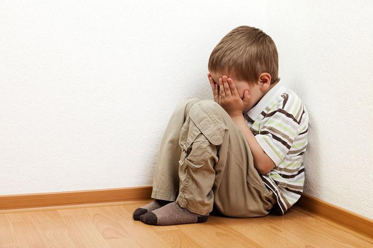 Khi trẻ khó ngủ có thể là biểu hiện sớm của rối loạn tâm lý, trầm cảm