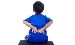 Trẻ em cũng có nguy cơ mắc thoát vị đĩa đệm.