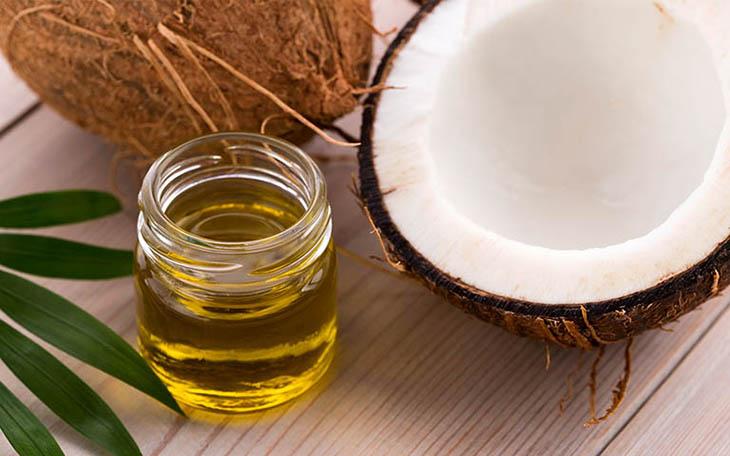Có thể trị viêm da dầu tại nhà bằng mật ong, dầu dừa...