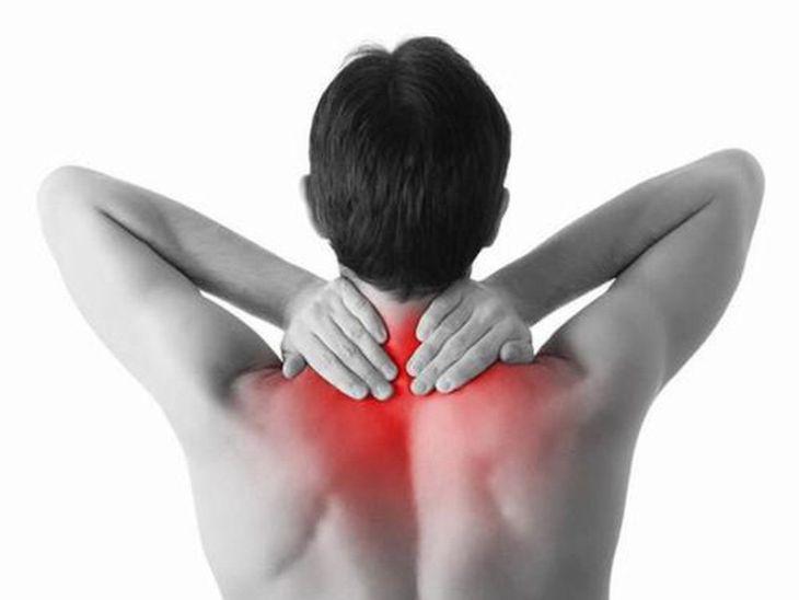 Các cơn đau mỏi phần vai gáy gây mất ngủ có thể là dấu hiệu cảnh báo sớm bệnh xương khớp