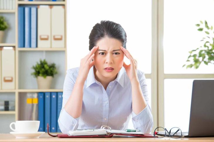 Hoa mắt, chóng mặt, ù tai là một số triệu chứng sớm của bệnh