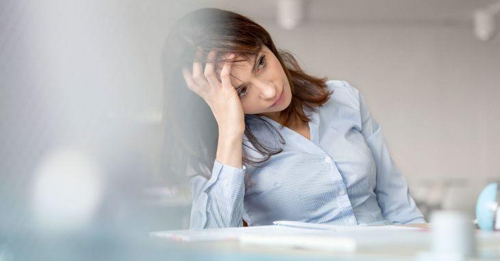 Người bệnh thường xuyên bị mất ngủ, hồi hộp, âu lo