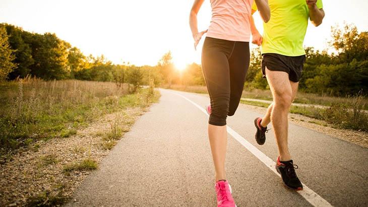 Người bệnh nên thường xuyên tập thể dục tăng cường sức đề kháng với các bài tập nhẹ nhàng như yoga, đi bộ,đạp xe…