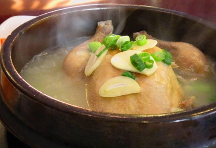 Bị loét dạ dày ăn gì tốt? Thịt gà hầm xương
