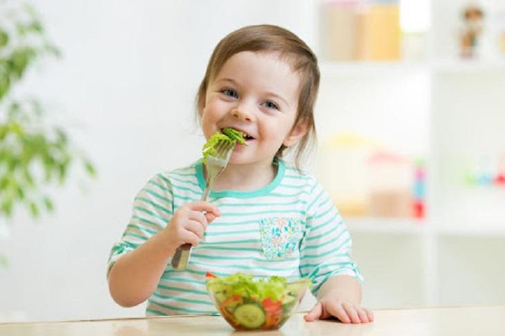 Trẻ bị viêm toàn bộ niêm mạc cần phải ăn uống hợp lý