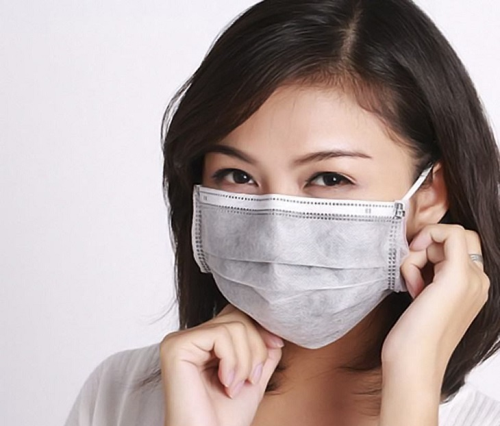 Đeo khẩu trang y tế để phòng ngừa viêm xoang cấp lây nhiễm