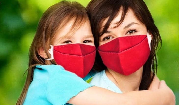 Đeo khẩu trang thường xuyên để tránh bị lây nhiễm viêm xoang mãn tính