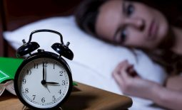 Viêm xoang trán có gây ra tình trạng mất ngủ