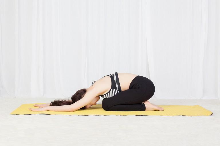 Tư thế em bé trong yoga