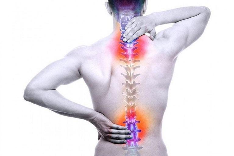 Gai cột sống gây đau vùng cổ và thắt lưng