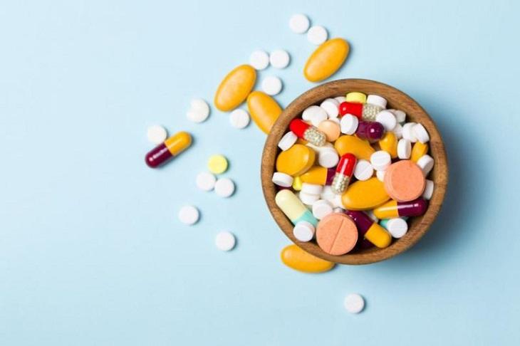 Một số loại thuốc Tây thường được chỉ định để điều trị viêm xoang trán