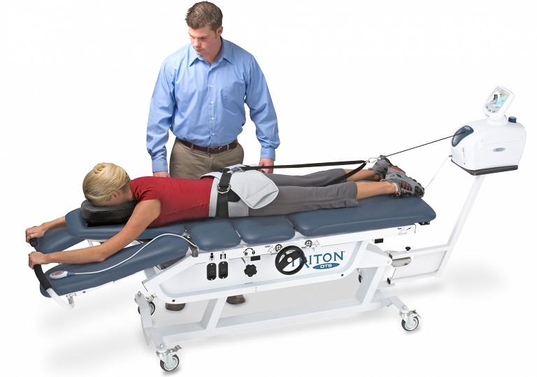Kéo dãn cột sống giúp giải phóng dây thần kinh bị chèn ép