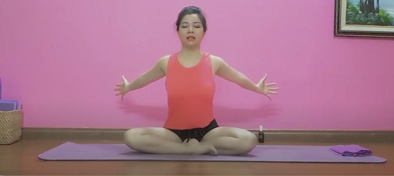 Bài tập hít thở giúp thư giãn cổ, vai gáy