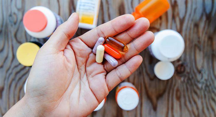 Thuốc an thần được hiểu là thuốc giúp thư giãn, điều hòa thần kinh