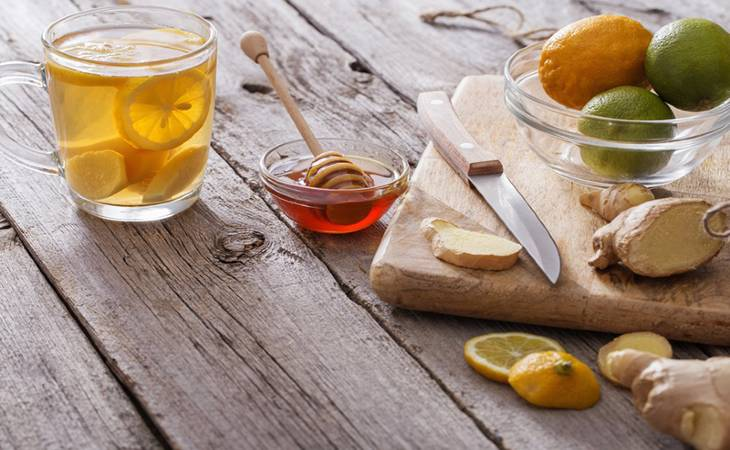 Mật ong và chanh tươi giúp giảm đau dạ dày