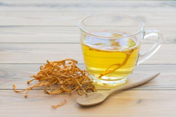 Trà đông trùng hạ thảo sấy khô vừa bổi bổ cơ thể vừa giải tỏa căng thẳng mệt mỏi