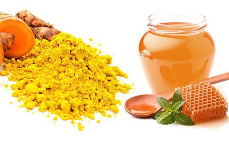Chữa dạ dày nôn ra máu với nghệ và mật ong