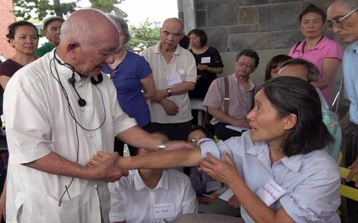 Thầy Lý Phước Lộc có công nghiên cứu, xây dựng hệ thống điều trị bằng phương pháp diện chẩn