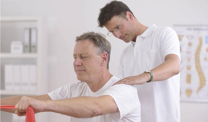 Phương pháp điều trị phụ thuộc vào tình trạng bệnh cũng như khả năng đáp ứng của mỗi người