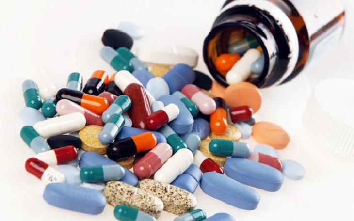 Điều trị Tây y mang lại hiệu quả nhanh nhưng có thể làm khởi phát tác dụng phụ nếu không được dùng đúng cách