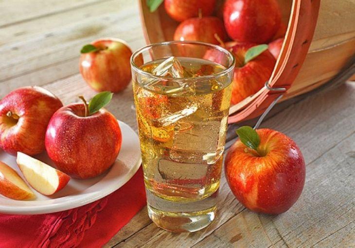 Ăn táo để giảm triệu chứng ợ chua nôn ra máu