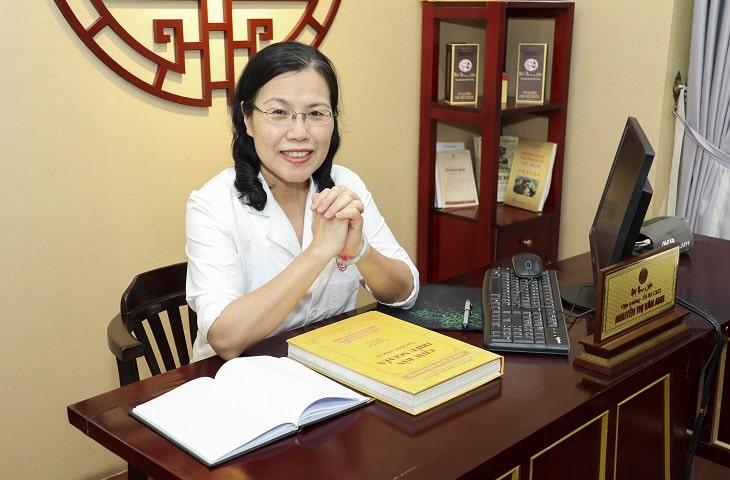 TS.BS Nguyễn Thị Vân Anh người nghiên cứu bài thuốc chữa sỏi mật