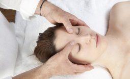 5 cách bấm huyệt chữa đau đầu nhanh chóng, hiệu quả