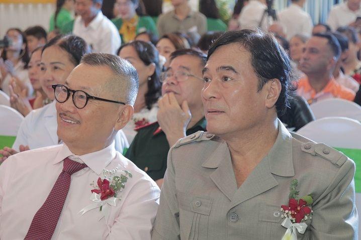 Nhiều nghệ sĩ nổi tiếng tham dự Lễ Công bố thương hiệu CTCP Bệnh viện Quân dân 102