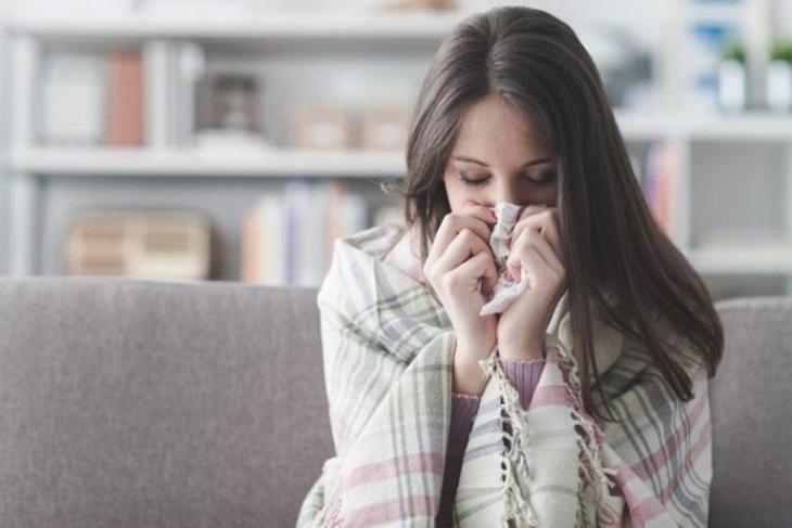 Đau đầu kèm theo triệu chứng chảy máu mũi có thể cảnh báo một số căn bệnh nguy hiểm