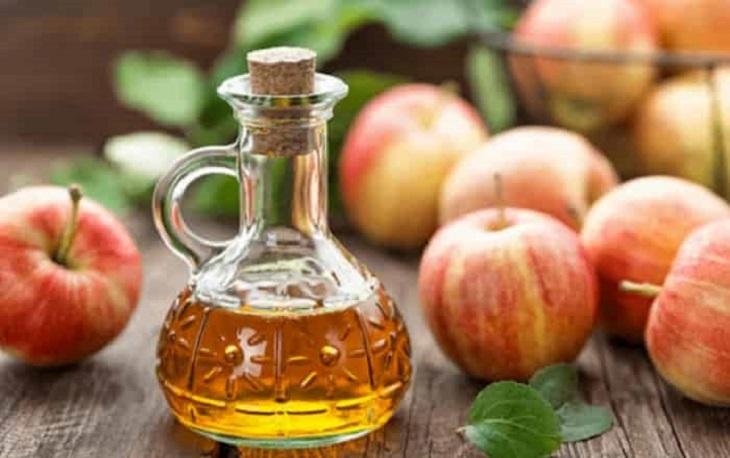 Giấm táo có tác dụng làm se các thành mạch máu bị vỡ, chữa chảy máu cam hiệu quả