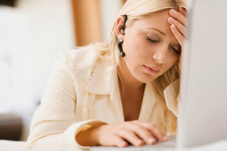 Đau đầu hay quên có thể là dấu hiệu của triệu chứng căng thẳng, suy giảm trí nhớ