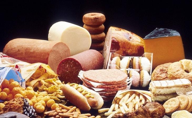 Hạn chế sử dụng chất béo và đồ ngọt