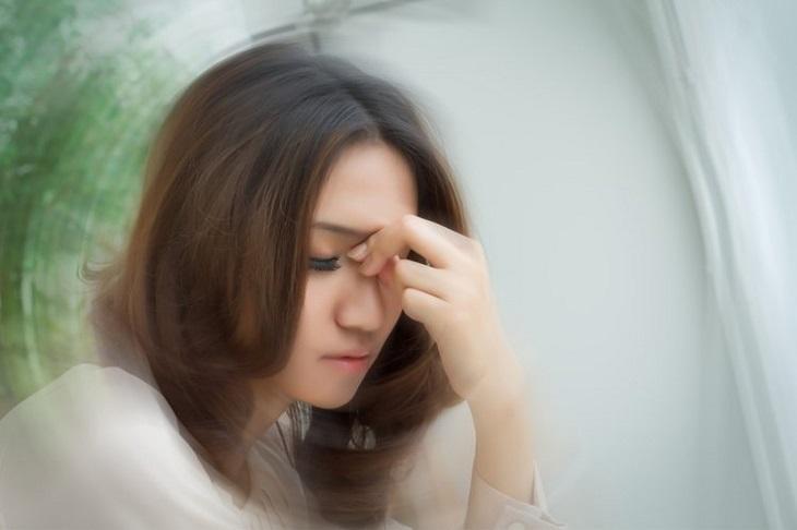 Đau đầu là triệu chứng thường gặp hàng ngày gây ảnh hưởng đến cuộc sống hàng ngày của người bệnh