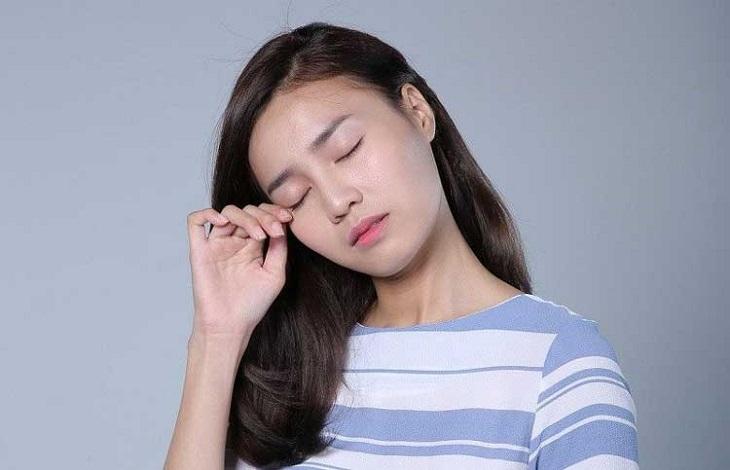 Đau đầu nhức mắt có thể là triệu chứng của một số bệnh lý vô cùng nguy hiểm