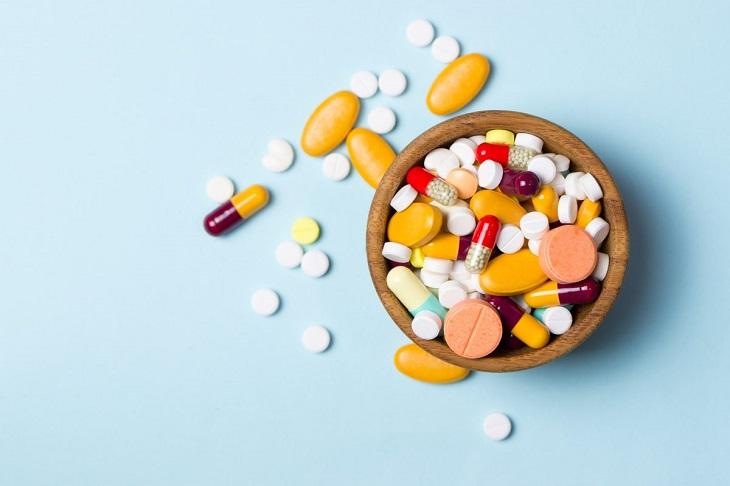Người bệnh có thể dùng một số loại thuốc giảm đau