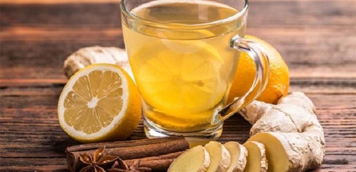 Gừng là vị thuốc có tính ấm, vị cay và mùi thơm, có tác dụng chống viêm và được sử dụng để điều trị các cơn đau đầu
