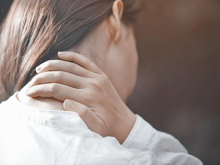 Đau đầu dạng này còn bắt nguồn từ nhiều nguyên nhân bệnh lý nguy hiểm khác liên quan đến tuần hoàn não