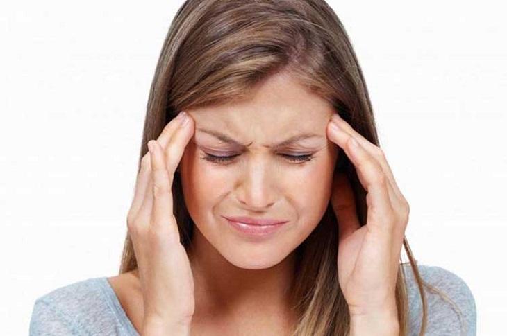 Đau đầu, sốt khiến người bệnh kém tập trung, làm giảm năng suất làm việc